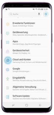 Öffnen Sie auf Ihrem Smartphone «Einstellungen» und tippen Sie auf «Cloud und Konten»