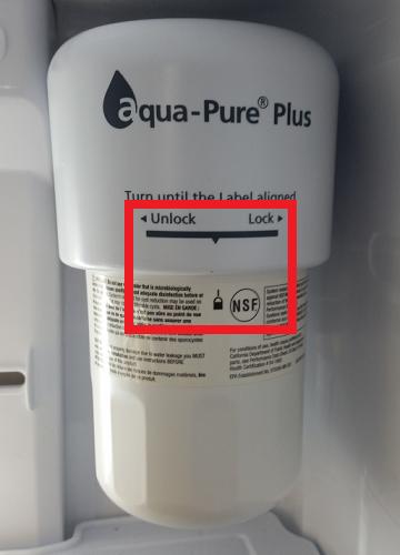 Samsung  Side-by-Side Kühlschrank RS61782GDSL/EG, Was tun wenn Wasserfilterpatrone nicht passt, Markierungen der Filteraufnahme und Wasserfilterpatrone liegen auf einer Linie