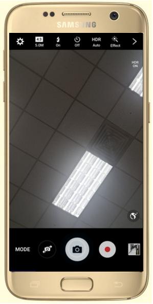 Comment utiliser le flash quand je fais un selfie sur mon Galaxy S7/S7 Edge ?