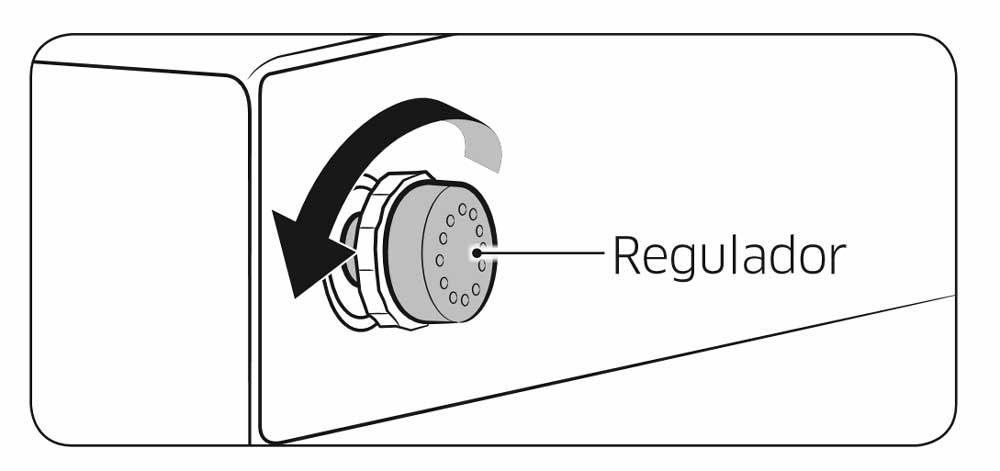 Abra a porta na zona em que a folga é menor e, em seguida, rode o regulador no sentido contrário ao dos ponteiros do relógio até a folga estar nivelada