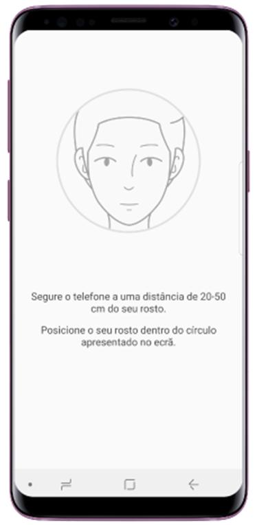 Segure o telefone a uma distáncia de 20-50 cm do seu rostro